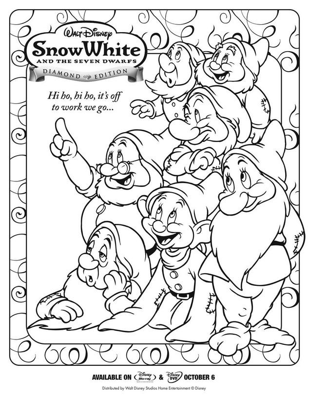 Ausmalbilder Schneewittchen Bild Schneewittchen Und Die Sieben Zwerge